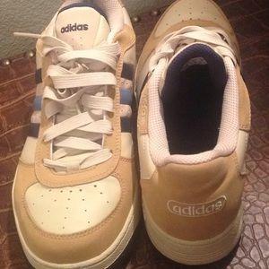 NWOT Men's Adidas sneakers